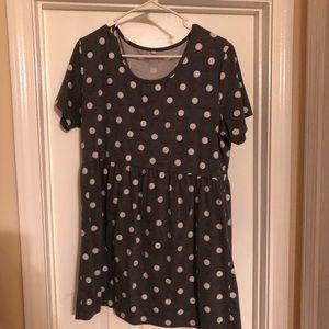 Maternity shirt. No brand. Size XL